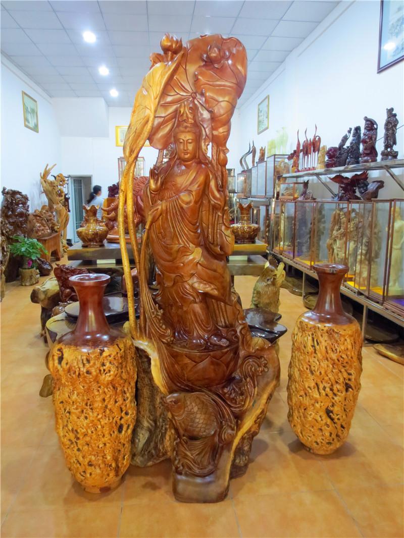 观音菩萨根雕艺术展示